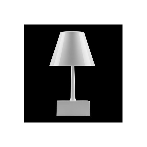 R plica l mpara de mesa santa mar a de jaime hay n for Replicas de lamparas